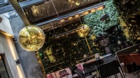 Giant 3ft gold metallic confetti balloons