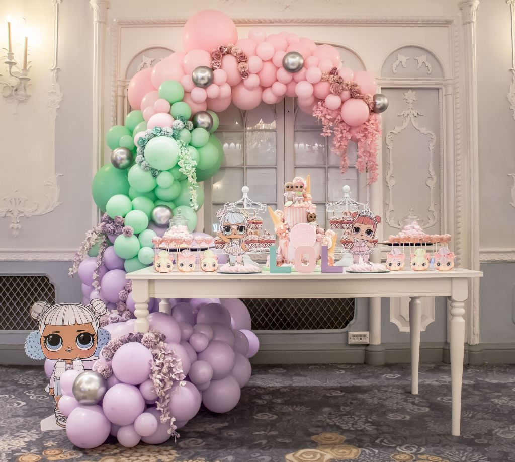lol organic balloon garland