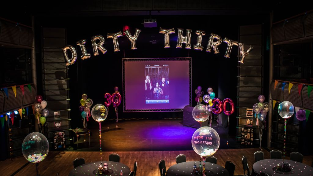 dirty thirty balloon arch