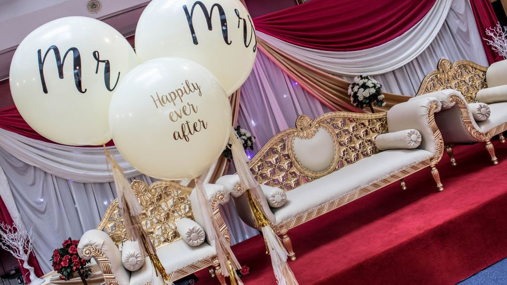 giant 3ft balloons personalised mr and mrs
